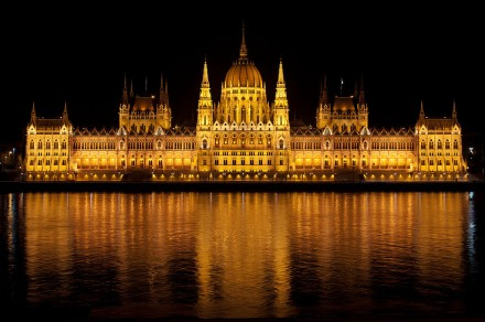 1024px-Parliament-Hungary