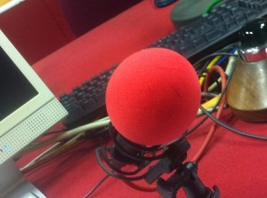 red microphone small