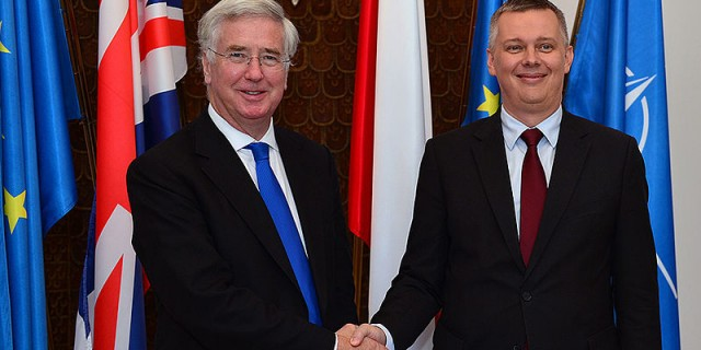 British_Defence_Secretary_Michael_Fallon_with_Polish_Minister_of_National_Defence_Tomasz_Siemoniak