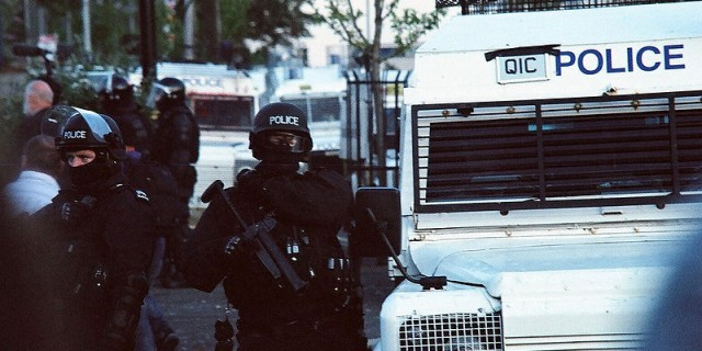 800px-Police_officers_at_the_2011_Belfast_riots
